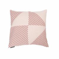 Prevleka Nova 60 x 60 cm, trikotniki - roza